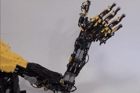 strange LEGO prosthetic arm 2