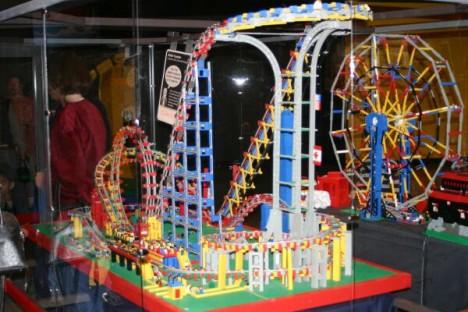 strange LEGO rollercoaster 2
