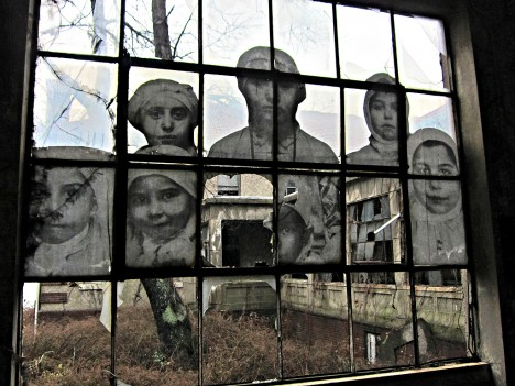 abandoned art ellis island