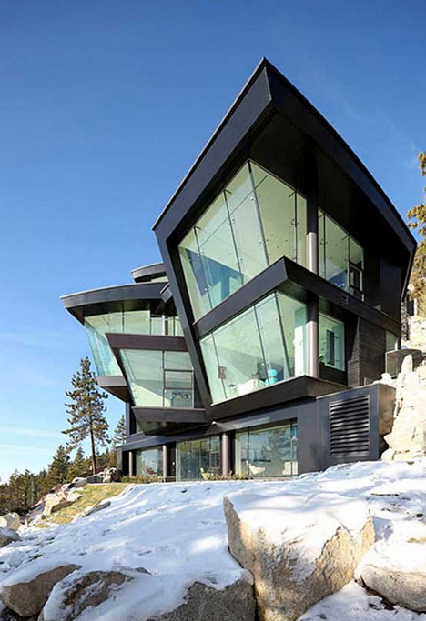 Seaside stunners 14 cliff clinging houses with crazy for Glass houses for sale in california