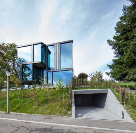 Don T Throw Stones Modern Glass House Is Super Sharp