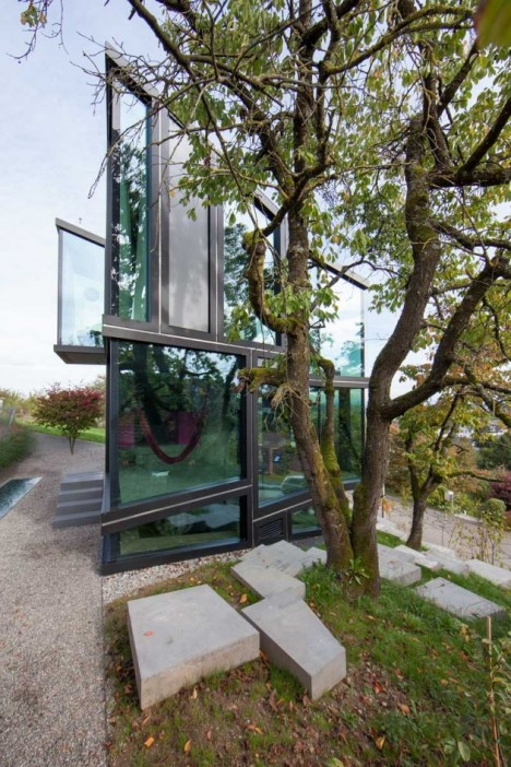 modern glass house 3
