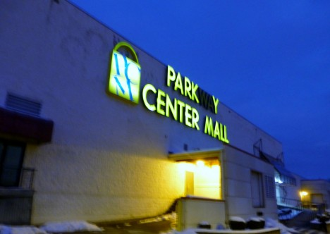 abandoned 90s Nails Parkway Center Mall