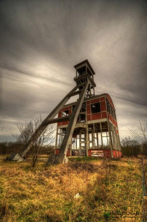 abandoned mine winding tower Belgium Zwei 7c