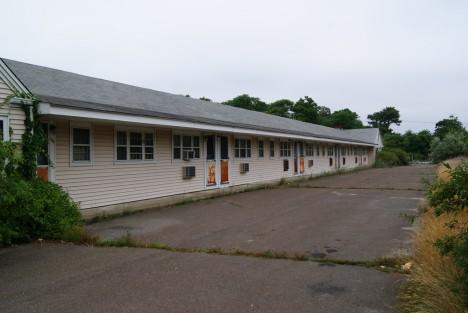 abandoned motel 3b
