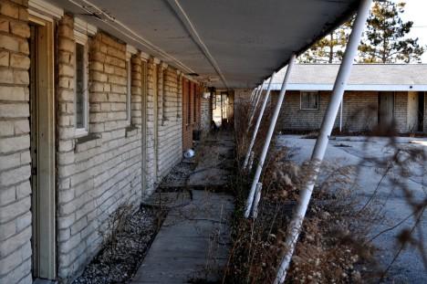 abandoned motel 7b