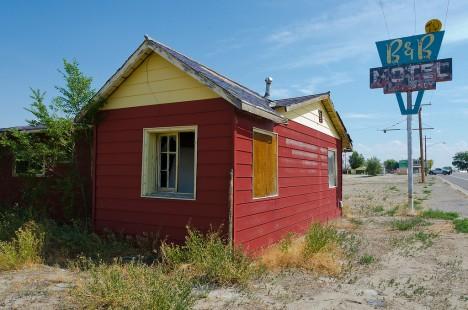 abandoned motel 9b