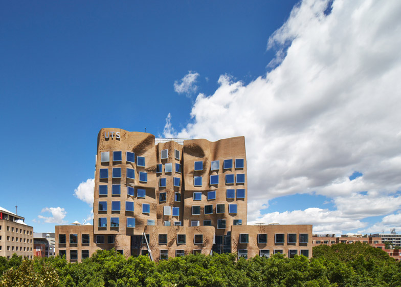frank gehry building exterior