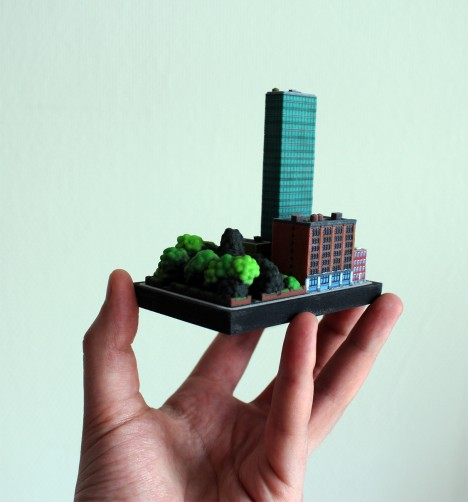 itty city model hand