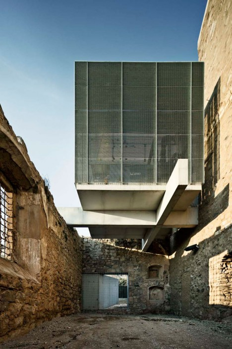 modern ruins sant francesc 2
