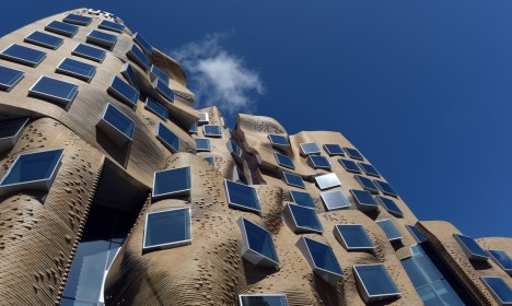 paper bag building gehry