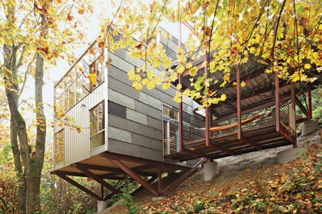 The high life 12 incredible residential tree house for How to build a house on a steep slope