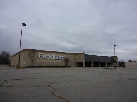 abandoned supermarkets Foodland 1b