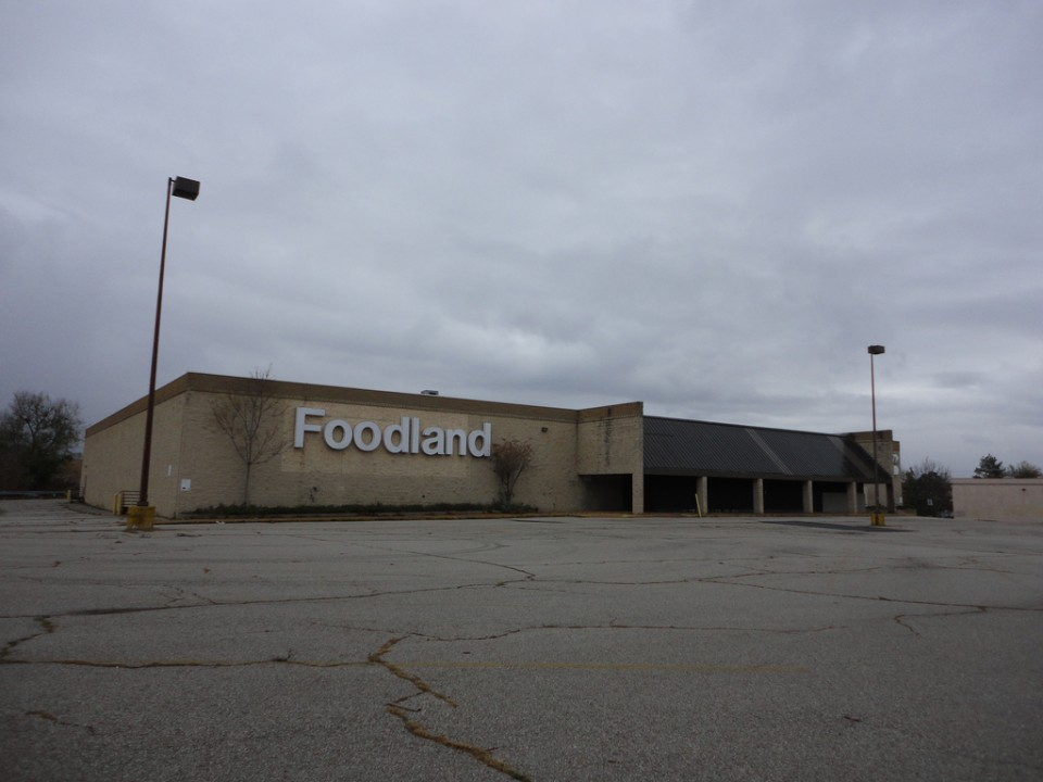 abandoned supermarkets Foodland 1b