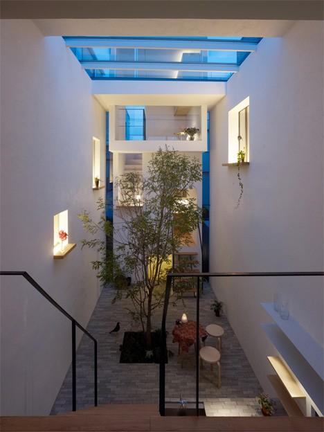 japan interiors courtyard 3