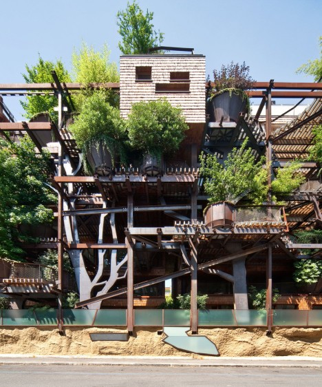 urban treehouse steel beams