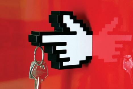 8-bit key holder hand