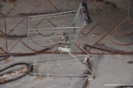 abandoned supermarket pripyat 1a