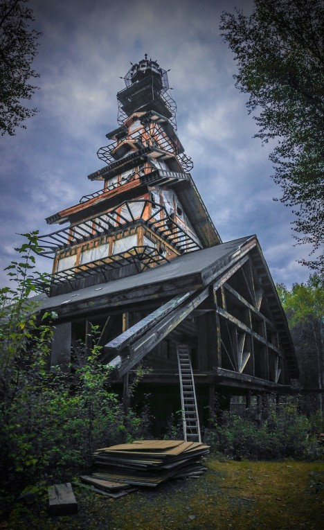 dr. seuss house 2