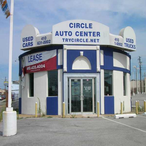 Car Dealerships From Past: Done Deals, New & Used: 12 (More) Abandoned Car