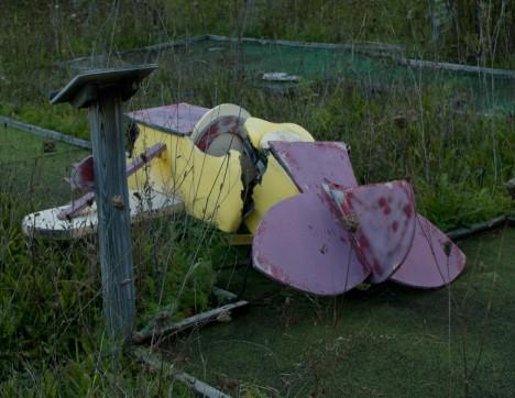 abandoned minigolf 4b