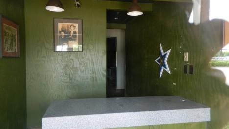 abandoned steakhouse Texas steakhouse saloon 1c