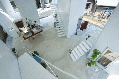 japan communal courtyard living 1