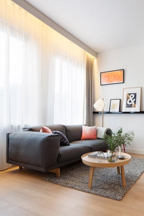 modularl living room window