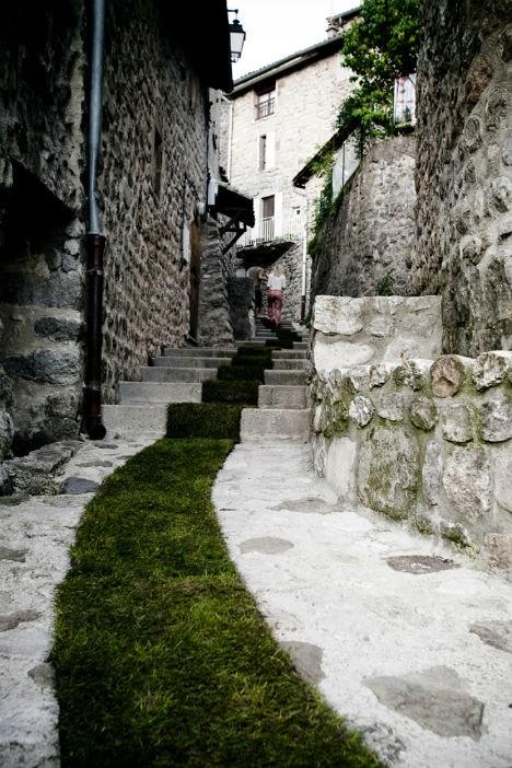 nature street art grass carpet 2