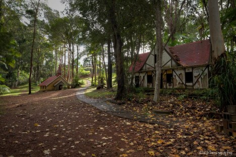 abandoned australia brothers grimm
