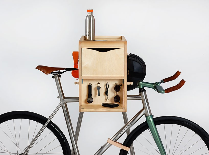 the modern cyclist 17 minimalist designer bike accessories urbanist. Black Bedroom Furniture Sets. Home Design Ideas