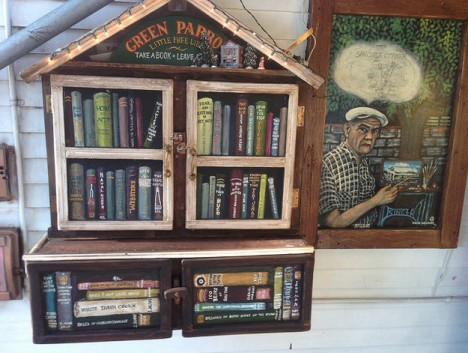 green parrot little free library