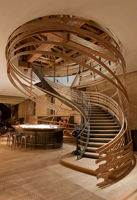 modern staircase coiling wood 2