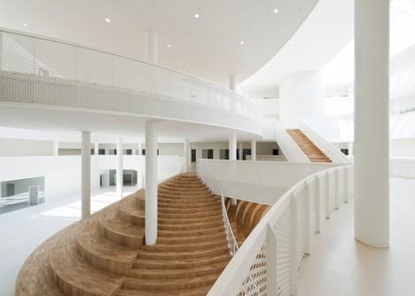 modern stairs amphista