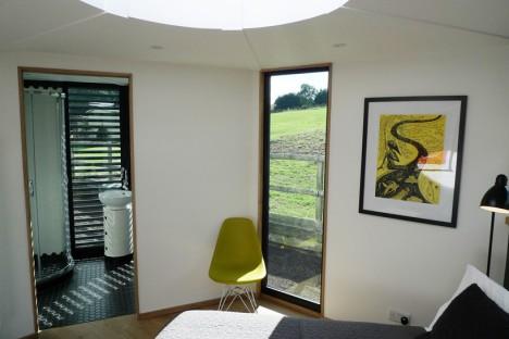 off-grid hivehaus 3