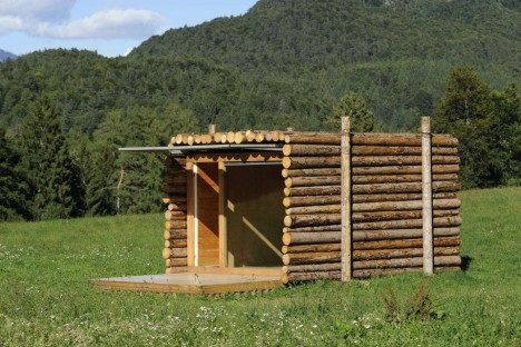 off grid yeta log cabin 2
