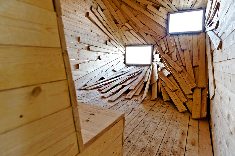 Weird Wooden Room See The Sea From A New Perspective