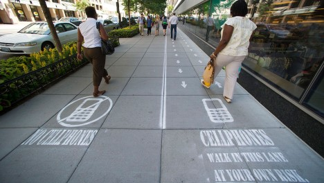 Cellphone-Lane-1