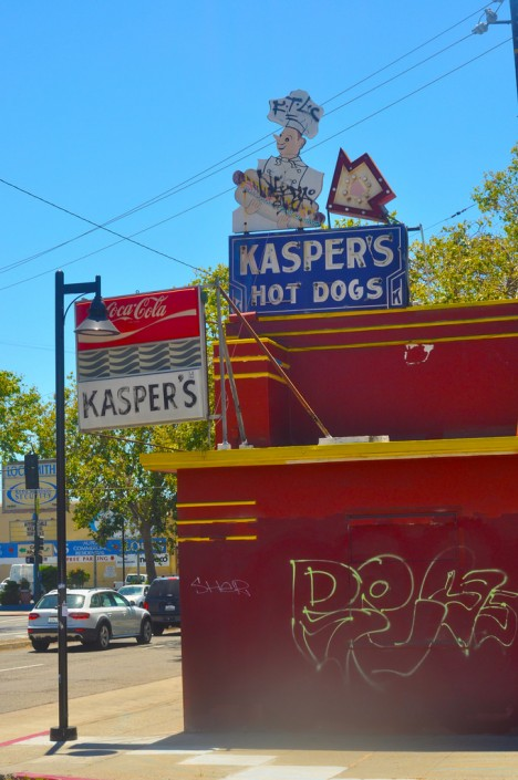 abandoned-Kaspers-hot-dog-stand-3