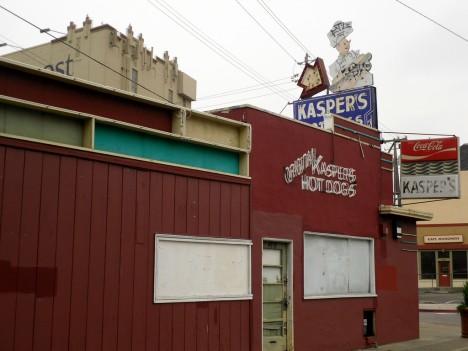 abandoned-Kaspers-hot-dog-stand-3b