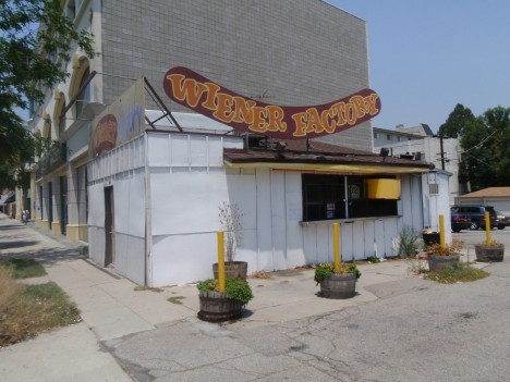 abandoned-Weiner-Factory-hot-dog-stand-5a