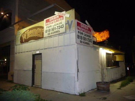 abandoned-Weiner-Factory-hot-dog-stand-5b