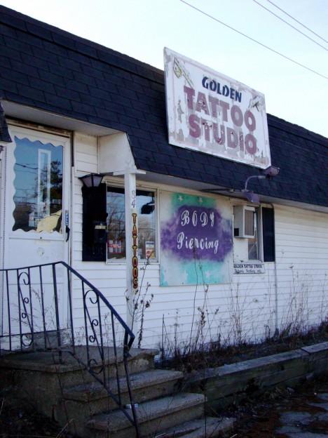 abandoned tattoo shop 3c
