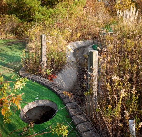 abandoned-miniature-golf-course-1c