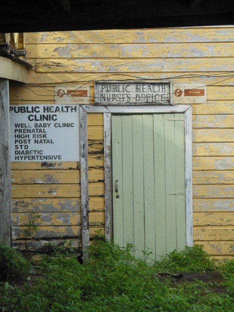 abandoned-walk-in-clinic-belize-1