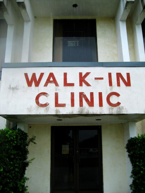 abandoned-walk-in-clinic-florida-2