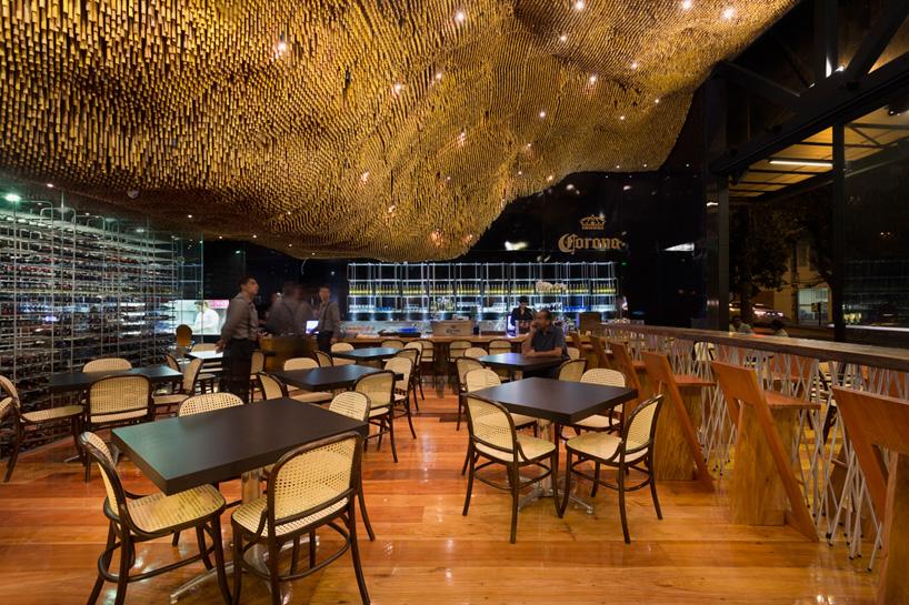 Do Look Up 14 Dazzling Modern Ceiling Designs Urbanist