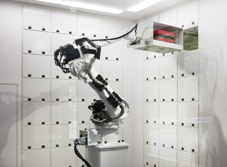 robot hotel 4