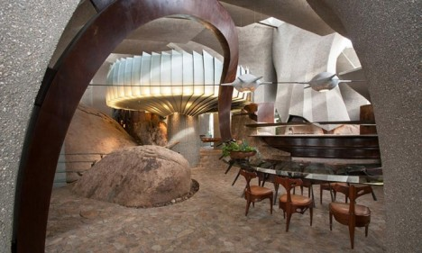 spaceship desert house 4