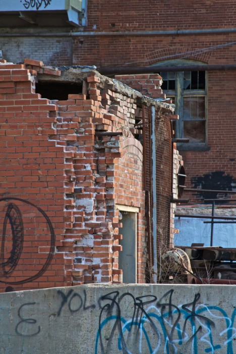 abandoned-sugar-mill-longmont-3
